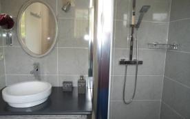 salle d'eau de la chambre 3
