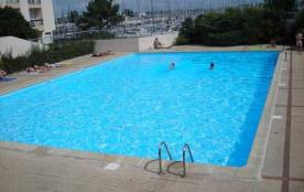 Appartement 3 pièces pour 6 personnes dans résidence avec piscine et accès terrain de tennis.