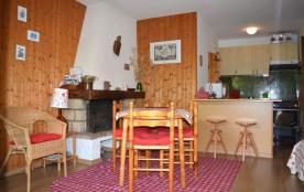 Un appartement 2 pièces de 40 m² environ pour 5 personnes, la résidence Chanteneige 1 est située ...