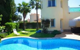 Villa AS Jaca - Superbe villa, avec piscine privée, elle offre une magnifique vue sur le golf et ...