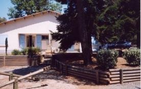 FR-1-359-93 - Village de gîtes de Montredon