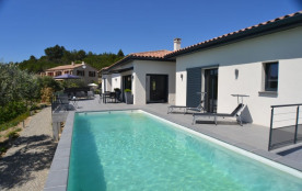 Jolie villa moderne et luxueuse