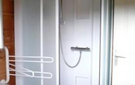 Salle de bain R de C Douche Vasque Meuble vasque Lave linge Armoire toilette