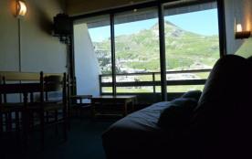 Appartement studio situé face aux pistes et faisant partie du complexe couvrant la Galerie commer...