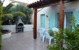 Maison 3 pièces avec mezzanine de 50 m² environ pour 6 personnes situé dans l'arrière pays, à 8 k...