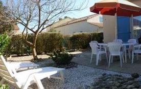 En résidence avec piscine, Maison de type 2 mezzanine avec jardinet clos / 4 personnes LES DUNES