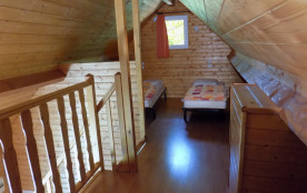 Chambre en mezzanine, 3 lits simples