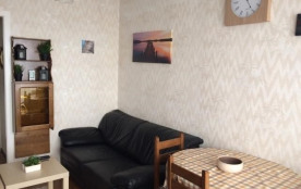Studio cosy avec belle terrasse, piscine chauffée et wifi