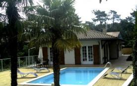 Disponible du 14 au 22 juillet ! Belle villa contemporaine avec piscine chauffée à Hossegor, proc...