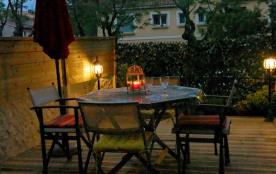 Coquet T2 terrasse 14m2 protégée à 5mn à pieds de la plage, idéal pour escapade en amoureux, détente ou en famille.