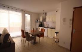 FR-1-309-139 - Appartement type T3 pour 6 personnes avec terrasse, parking et clim