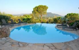 Le Mas de Héron est une ravissante et luxueuse maison de vacances de plain-pied, située dans les ...