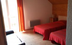 chambre N°3 :  2 lits simples à l'étage