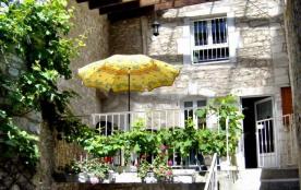 Detached House à SAINT JEAN DE MARUEJOLS ET AVEJAN