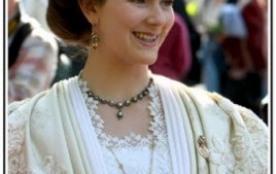 Le Costume Arlésien est l'un des plus beau de monde