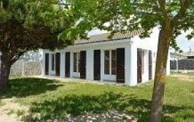 Maison 4 pièces de 71 m² environ pour 6 personnes située à environ 600 m de la plage et 700 m du ...