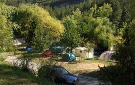 La Ferme de Castellane, 48 emplacements, 15 locatifs