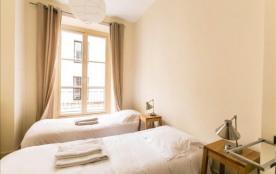 Sunny&renovated 2bdr in Marais