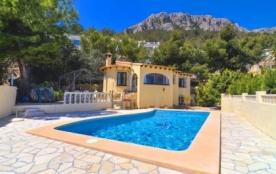 Agréable villa avec piscine privée pour 4 personnes.