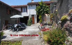 GÎTE 9 personnes - tout confort avec cheminée  -en Vallée de Barousse avec vues sur les Pyrénées - Thèbe