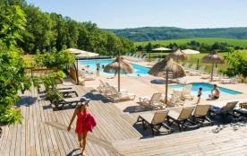 Camping Sites et Paysages Les Pastourels, 45 emplacements, 15 locatifs