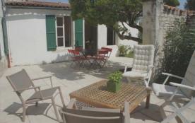Villa 5 pièces 8 personnes. Location vacances, ile de Ré, petite maison individuelle de plain pie...