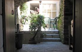 Gîte aménagé dans maison ancienne en pierre au cœur d'un Hameau Cévenol typique (calades et passa...