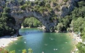 gites l oliveraie tourisme gard cevenne ardéche - Barjac