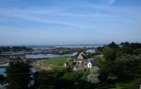 Vue de paysage sur l'île de Bréhat toute proche