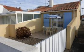 Maison 2 pièces de 30 m² environ pour 3 personnes dans un quartier calme.