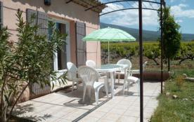 Gîtes de France - Maison indépendante au pied du Ventoux dans les vignes à l'entrée du hameau, terrasse au sud de 13 ...