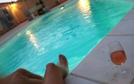 Couderic est une charmante et spacieuse maison de vacances située à quelques 2 km du centre d'Eyragues (Bouches-du-Rh...