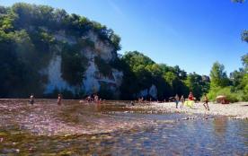 Camping Le Rocher de la Cave, 110 emplacements, 40 locatifs
