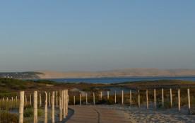 Situation privilégiée pour cette villa à proximité des plages du Bassin et de l'océan à La Pointe du Cap-Ferret.