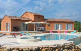 Villa avec terrasse + piscine attenantes