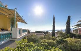 squarebreak, Splendide villa Belle Epoque face à la mer à Nice