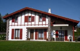 Confortable T3 de 90m2 en RDJ, à ITXASSOU près de Cambo les Bains et Espelette