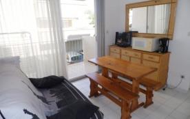 Agréable 2 pièces 4 couchages situé au premier étage, dans résidence avec piscine et accès direct...