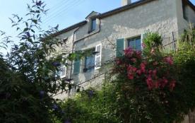 """""""Chez Betty"""" maison de charme en tuffeau à flanc de coteau avec vue sur Loire - Saumur"""