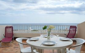 Appartement 2 pièces de 35 m² environ pour 4 personnes en front de mer, à proximité du centre de ...