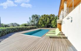 squarebreak, Maison avec piscine, vue mer et montagnes, à Porto