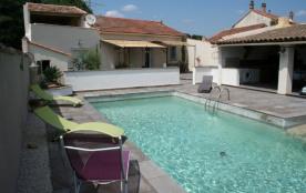 Mattias est une ravissante maison de vacances avec une piscine privée (5x11m) située dans la bell...