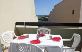 2 pièces mezzanine 4 à 6 couchages, au deuxième étage, résidence en accès direct plage.