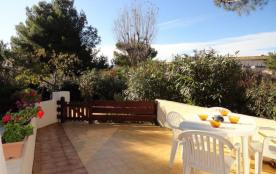 Villa 2 pièces mezzanine de 38 m² environ pour 4 personnes située en face des appartements d' Hél...