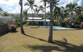 Villa 'Nautilus' avec piscine sur la plage et lagon de la Saline les bains