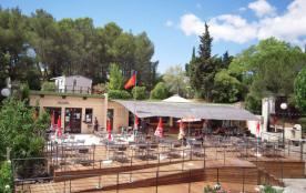 Camping La Pinède, 69 emplacements, 21 locatifs