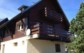 Chalet n°69, chalet individuel de 110 m² environ pour 10 personnes situé au cœur du village de ch...