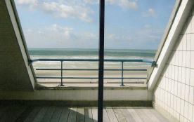 Bel appartement front de mer comprenant deux terrasses face mer.