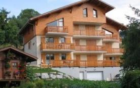 Appartement-duplex 8 personnes 67 m² situé au troisième étage de la résidence Les Fauvettes .