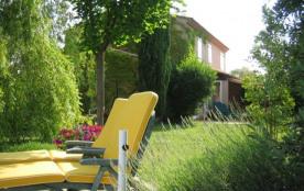 Maison au calme à la périphérie d'Aix - en-Provence, à Puyricard
